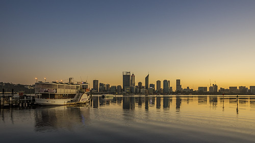 sony stevekphotography slta99 alpha a99 tamron 2470mm scenery scenic city river water wideangle boats dawn ferry cityscape sky skyline reflection daybreak sunrise outdoors morning swanriver cityofperth southperth westernaustralia australia