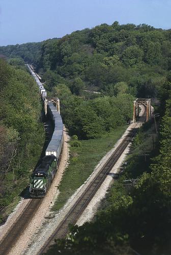 bridge river bn railroadbridge missouririver burlingtonnorthern sd402 bnsd402 bnexpediter sinsinawariver bn6801