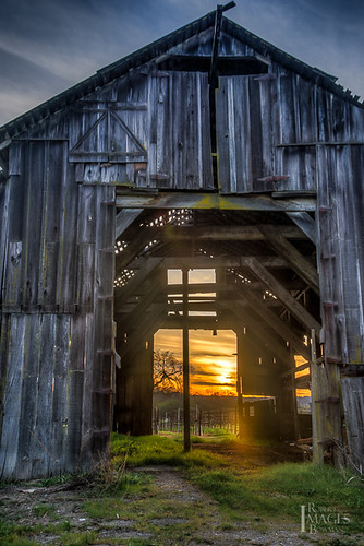 california ranch sunset sun tree grass clouds barn vineyard boards nikon pitch sonomacounty hdr bowman riverroad d600 bobbowman ghostbarn rmbimages photographybyrobertmbowman