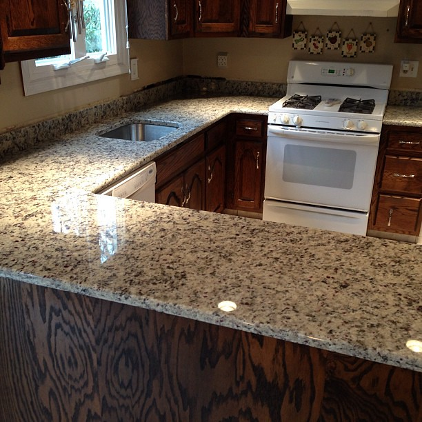 White Napoli Granite Countertops Www Innovatestones Com K Flickr