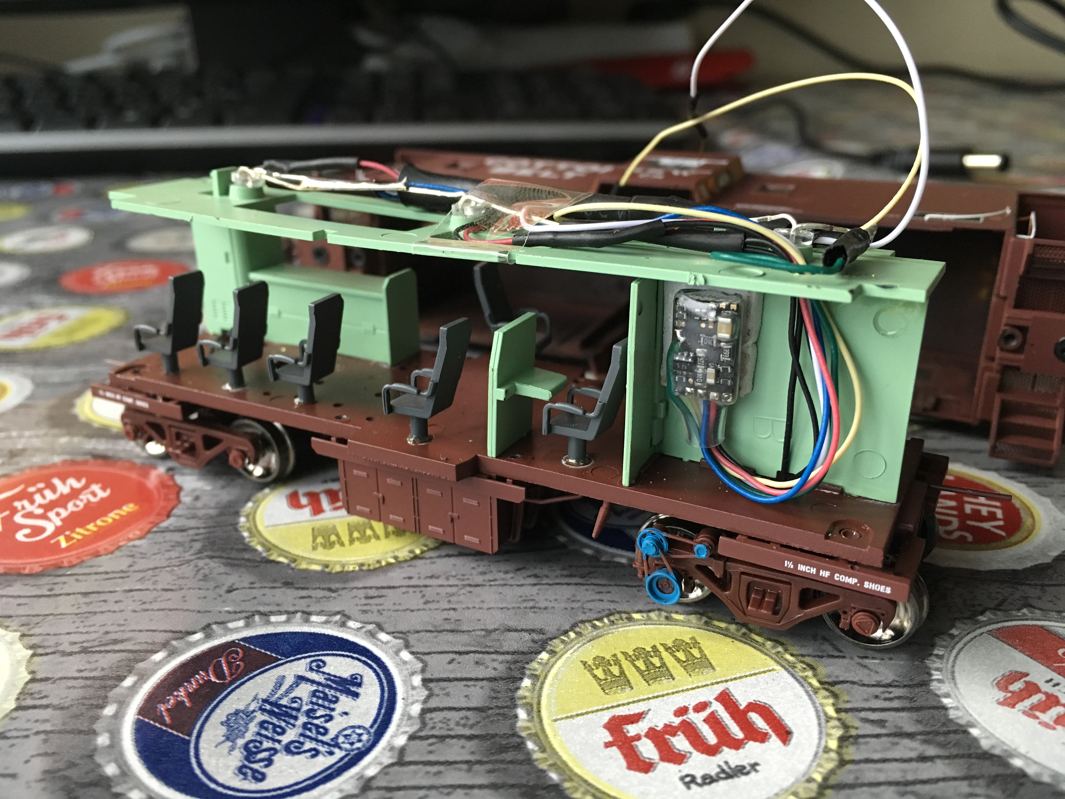Installing a dcc function decoder (Digikeijs DR80015) in an Athearn Genisis caboose