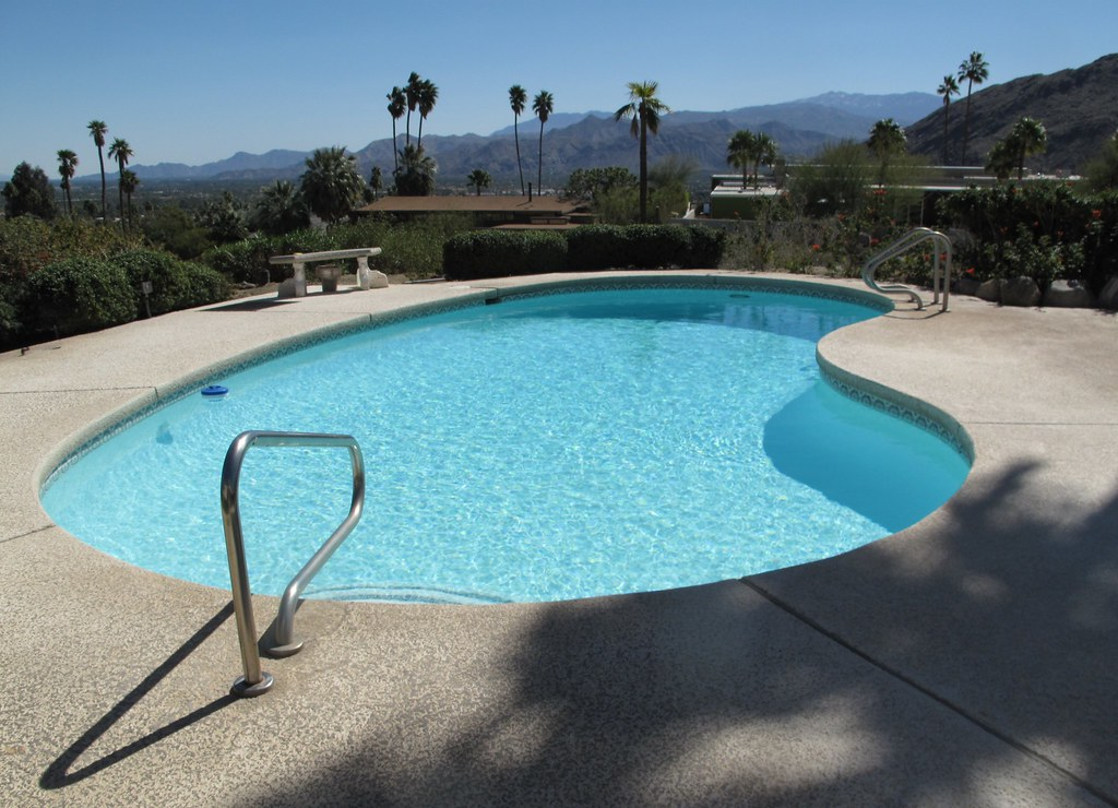Kidney Shaped Swimming Pool Palm Springs | Heather David | Flickr
