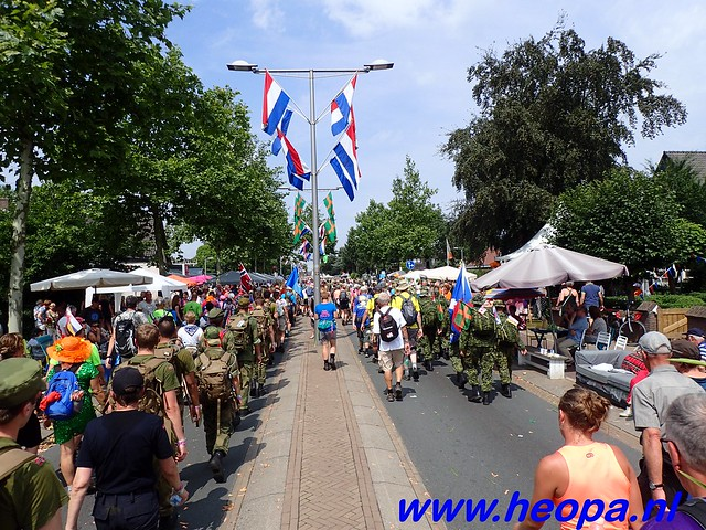 2016-07-22   4e     dag Nijmegen      40 Km   (153)