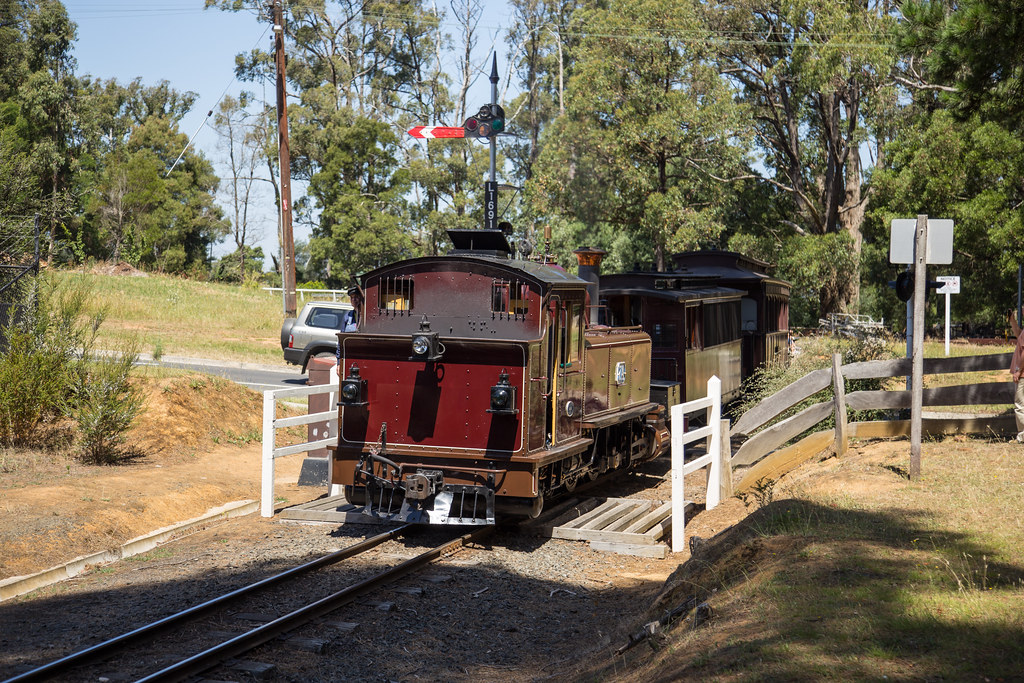7A arriving at Emerald by michaelgreenhill