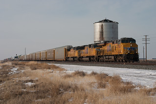 UP7528 East and a Cold Tower | by erben22
