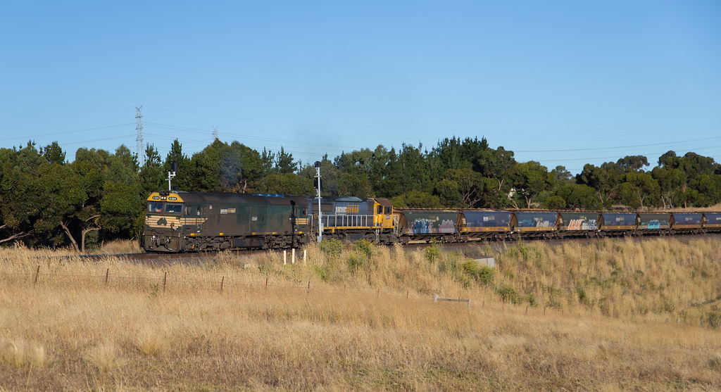 G524 and XR557 at Bell Post Hill by michaelgreenhill