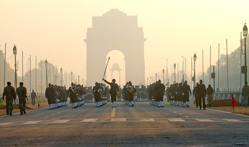 india architecture sunrise outdoors smog memorial military indian environmental landmark architectural parade pollution marching soldiers uniforms newdelhi indiagate
