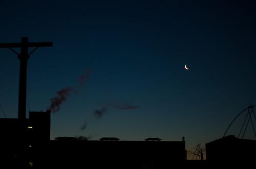 sky moon dawn montreal mileend