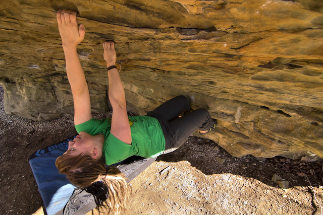 Biene Apelt  bouldering 1, Sheeps Bluff, Putnam Co, TN
