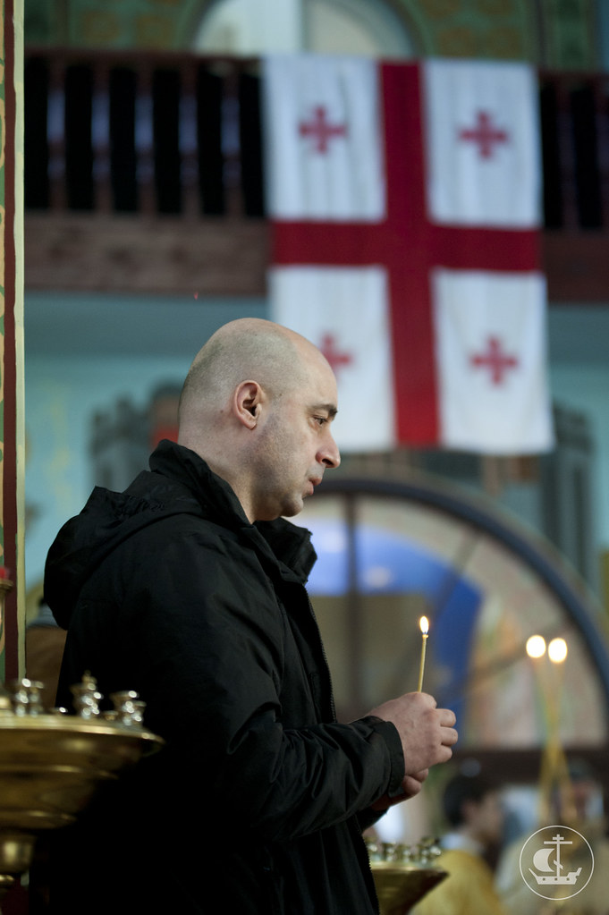 10 марта 2013, В Неделю о Страшном Суде епископ Гатчинский Амвросий совершил Божественную литургию в грузинском храме Петербурга