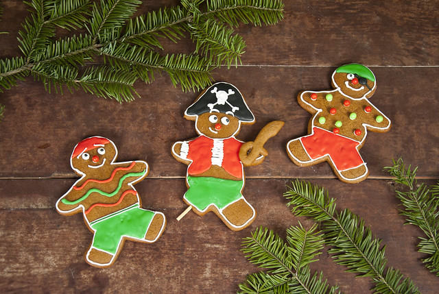 gingerbread-pirate-cookies