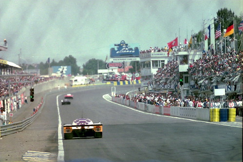 Jaguar XJR-9 LM heads down the pit straight at the 1989 Le ...