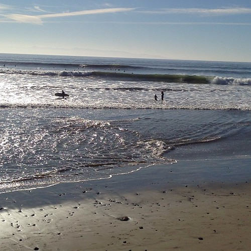 wnw swell with head high+  sets. woo! #surf | by emilychang