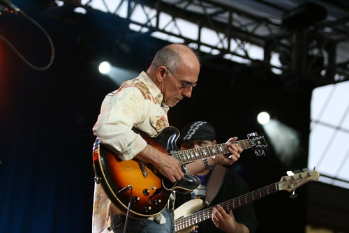 The Larry Carlton trio | by Alberto Cabello Mayero
