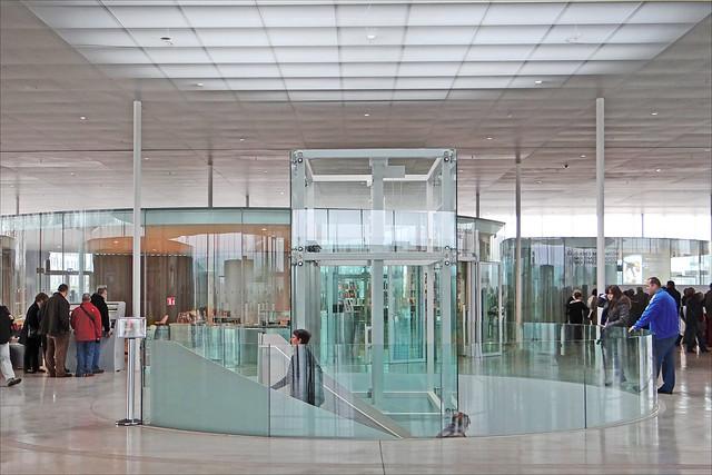 Le hall d'accueil du Louvre Lens