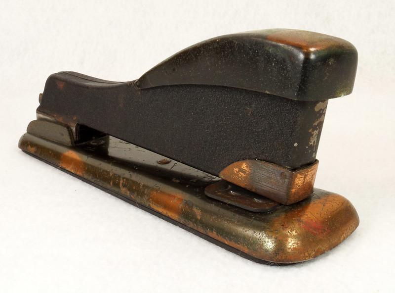 RD11756 Vintage Art Deco Stapler The Hotchkiss Sales Co. Norwalk, CT Model 120 DSC02418