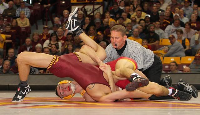 165 - #10 Tanner Weatherman (Iowa State) maj. dec.Brandon Krone (Minnesota) 13-2. Photo by Mark Beshey.