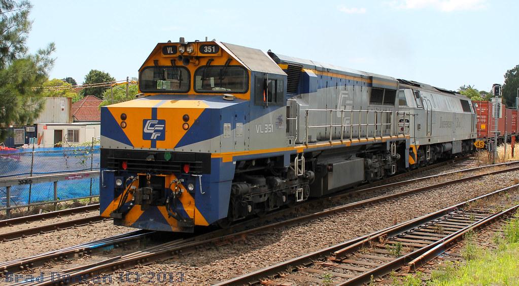 VL351 by Hitachi 300M