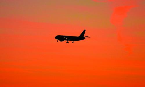 sf california ca orange usa plane sunrise airplane dawn bay us airport san francisco unitedstates sfo over jet calif landing international flughafen burlingame millbrae dhl ilobsterit