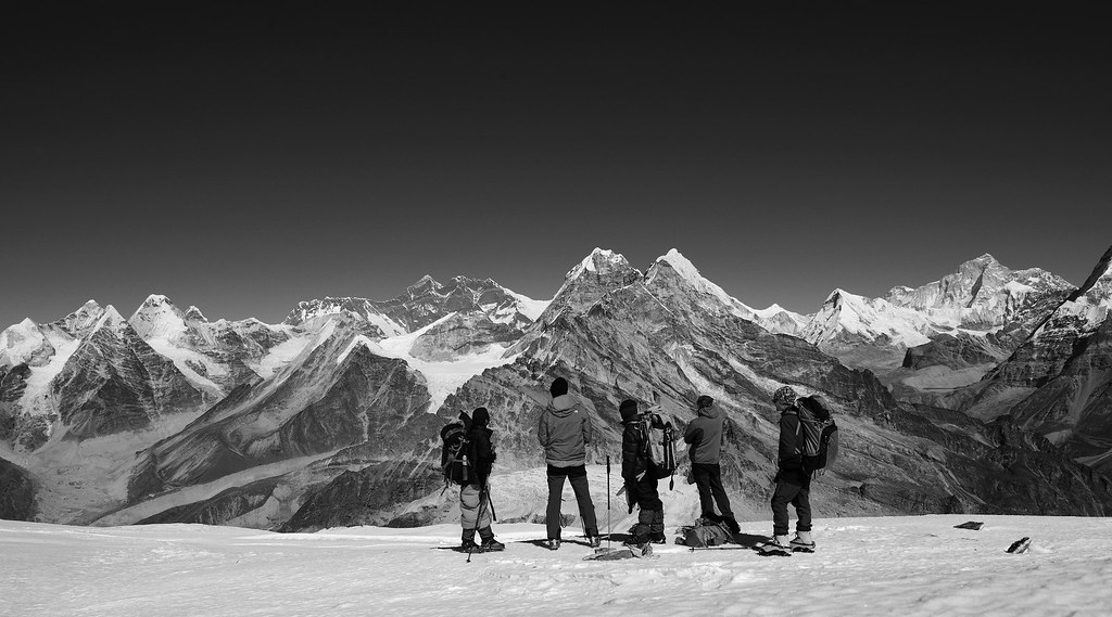 Admire  mountains