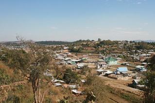 Myanmar -  Feb 2013 - Biking from Kalau east to Inle Lake (Nyaungshe town) - 60km  照片 655