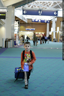 sequoia, finding gate c13 all by himself - _MG_3671 | by sean dreilinger