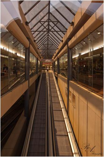 lines mall shopping nikon australia queensland arcitecture ipswich d90 ipswichqueensland brianaston escalatior perspectiveleading