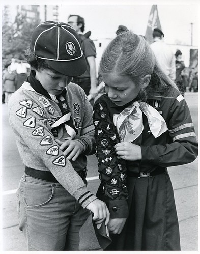 Brownie and Cub compare badges | by Girl Guides of Canada