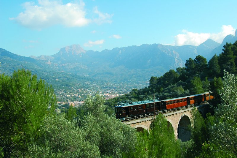 Island tour Excursion in Mallorca offered by Nofrills Excursions