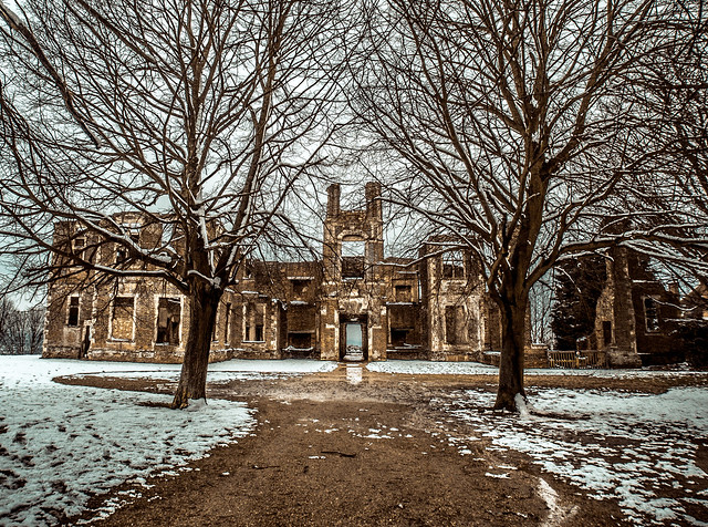 Winter at Houghton House
