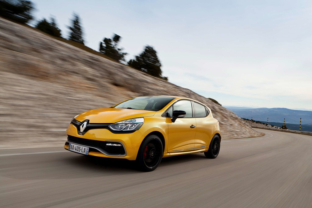 Renault-Clio-RS_1