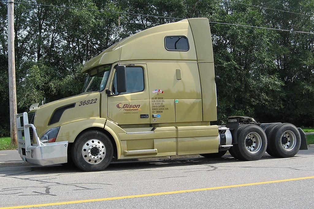 Volvo Trucks Canada >> Bison Transport 36822 Volvo Truck Gatineau Quebec Canada Flickr