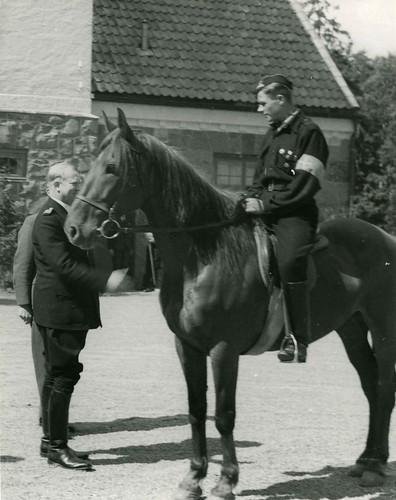 Vidkun Quisling, rytter og hest, ukjent datering.