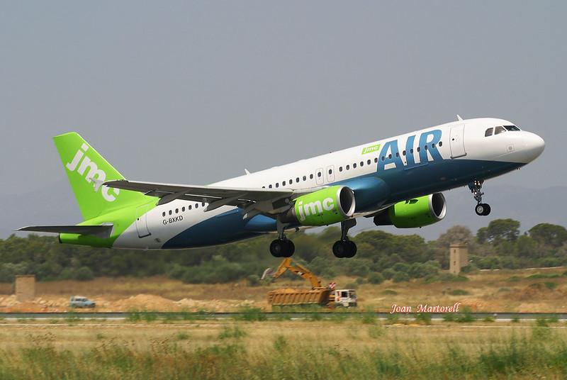 JMC Air  G-BXKD  Airbus A320-214  PMI 06-2002