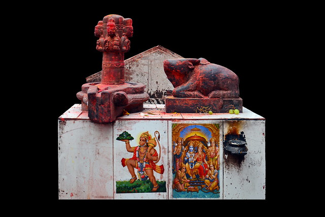 Nepal - Bungamati - Karya Binayak Temple - Shiva Lingam - Nandi - Hanuman - Shiva & Parvati - 21d