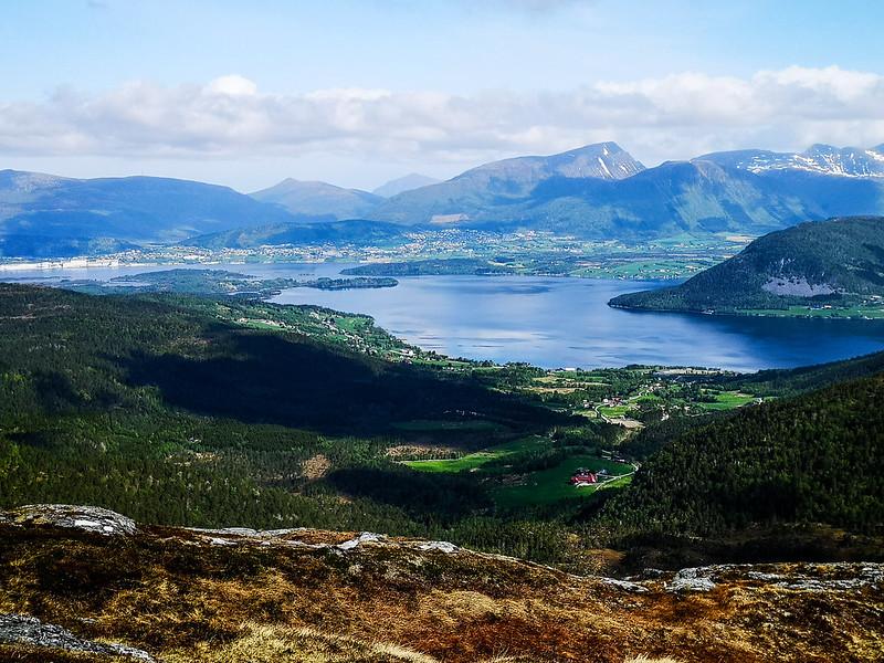 14-Frænfjorden og Elnesvågen sett fra Frænavarden