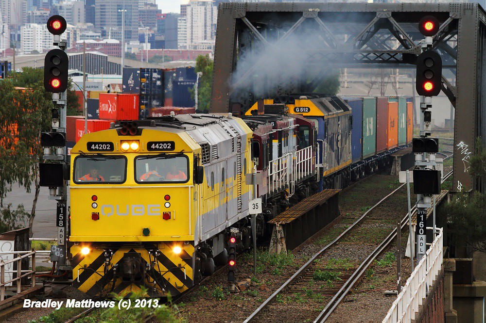 44202-4814-4816-G512 on 6MC1 QUBE'S Freight to Harefield/Junee at Footscray (29/3/2013) by Bradley Matthews