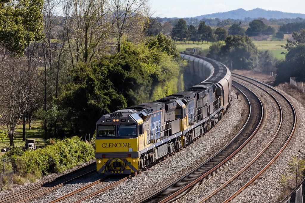 2016-08-11 Glencore XRN027-XRN022-XRN030 East Maitland RV174 by Dean Jones