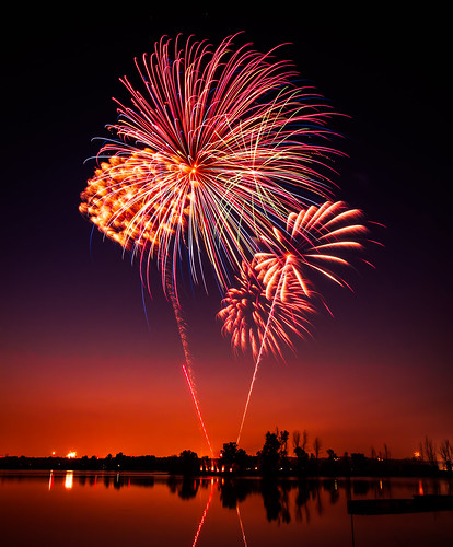 colors canon cool fireworks boom 7d uncool 4thofjuly fireworksshow cool2 fav10 cool5 cool3 cool6 cool4 cool7 uncool2 cool8 iceboxcool