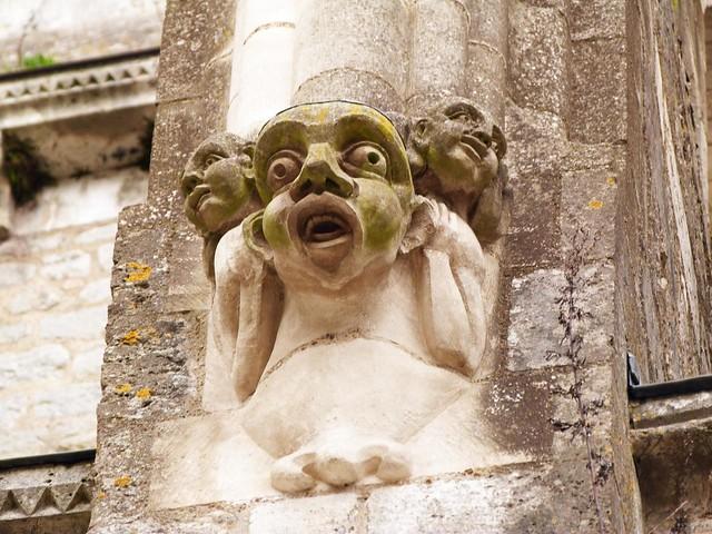Detalle escultórico en una de las ciudades del valle del Loira (Francia)
