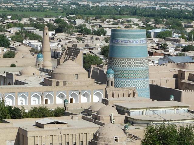 ¿Qué ver en Khiva? Breve paseo por la ciudad de Uzbekistán