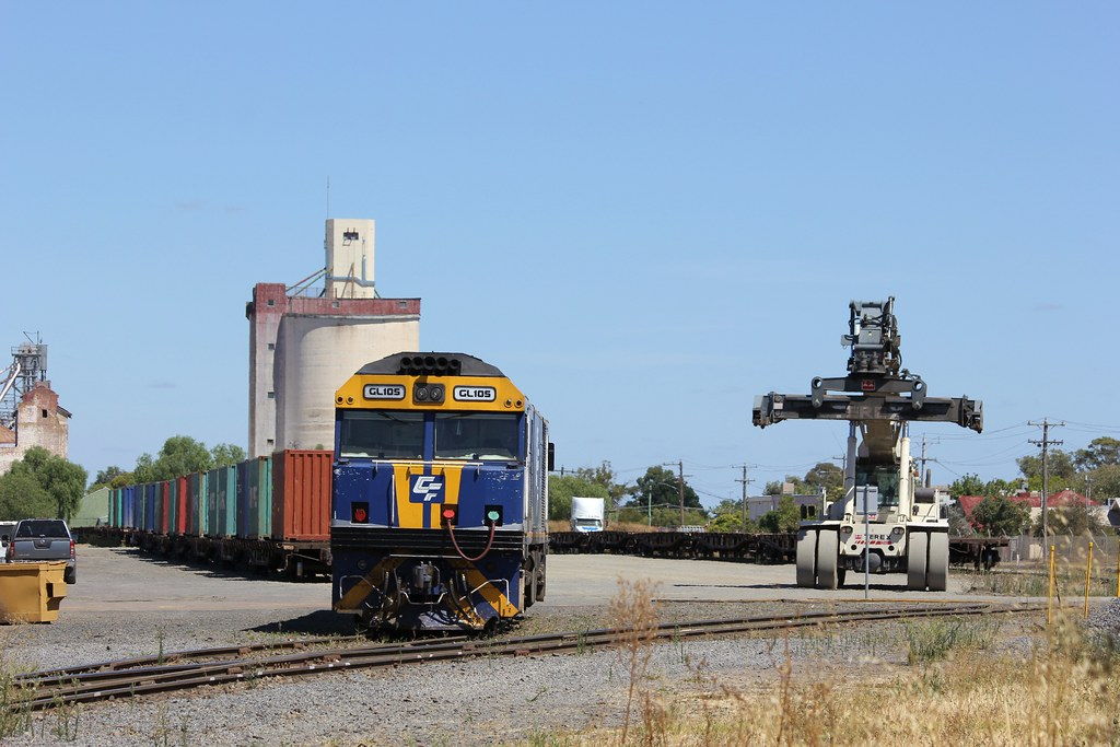 GL105 sits shutdown in Horsham yard with only half of its train loaded by bukk05