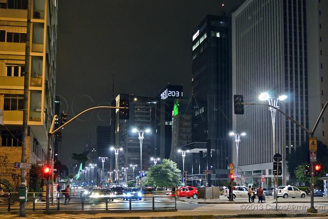 Avenida Paulista esquina com Consolação