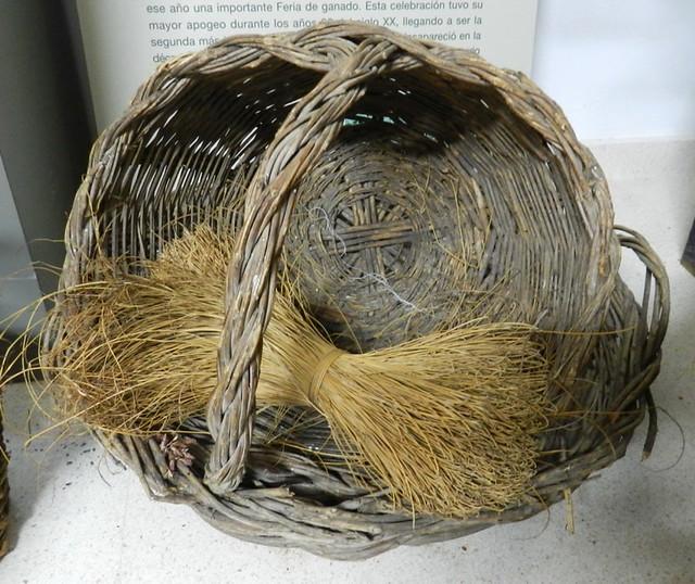 Fuengirola cesta de mimbre Museo de la Ciudad Malaga 10