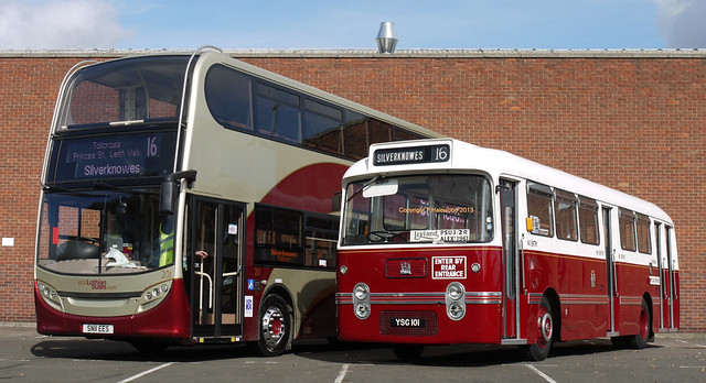 Lothian Buses 201 (SN11EES)
