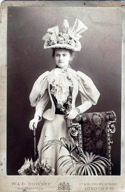 Miss Gwen Powell, Actress 1890