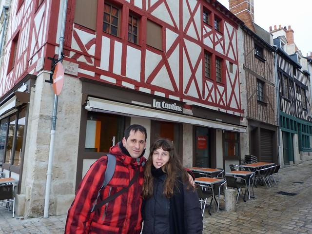 Sele y Rebeca en Orleans (Valle del Loira, Francia)