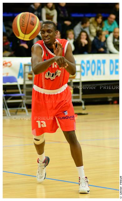 Dylan GANA ESC Trappes-SQY Basket vs Caen