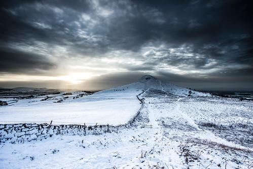 winter autumn roseberrytopping greatbritain gribdalegate gribdale snow sunset steveniceton serene canon600d clouds