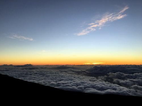 hawaii maui haleakala volcano sunset scenery iphone peterch51 haleakalanationalpark nightfall haleakalā twilight america usa